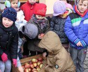 """Czytaj więcej:        """"Gryz za uśmiech""""- zdrowa  akcja w szkole i przedszkolu  w Paleśnicy"""