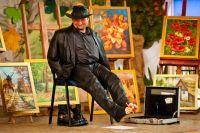 """Czytaj więcej: Stanisław Kmiecik – artysta malujący ustami i nogami w Galerii """"Poddasze"""" ZCK"""